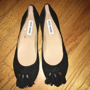NWT STEVE MADDEN Cappper Black Suede Tassel Flats